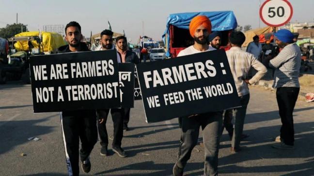 Hindistan'daki protestolara bayram molası: Çiftçiler Yeni Delhi dışındaki protesto kamplarına geri döndü