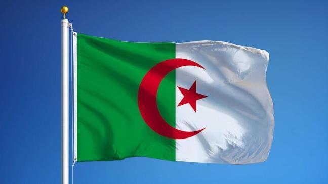 Cezayir, Libya'daki büyükelçiliğini yeniden açıyor