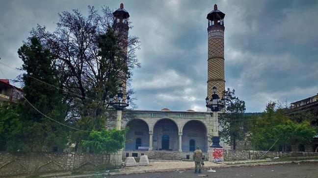 MHP'li heyet Şuşa'daki okul için yer tespiti yapacak