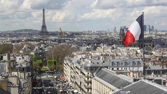 Fransa'dan karantina kararı... AB dışındaki ülkelerden giriş çıkışları itibaren askıya alacak