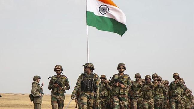 Gerilim tırmanıyor: Hindistan, Çin sınırına daha fazla asker konuşlandırdı
