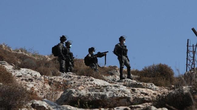 İşgalci İsrail askerleri Batı Şeria'da 3 Filistinliyi yaraladı