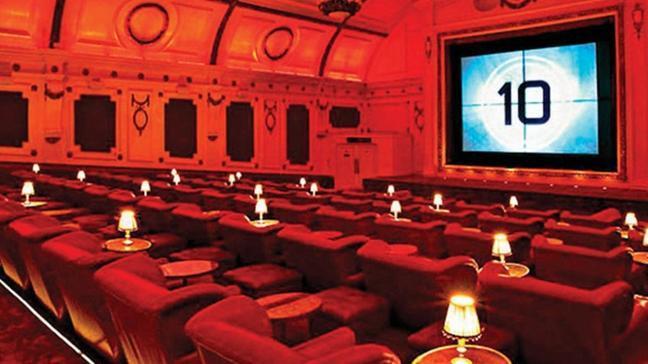 Destek alan sinema salonlarına 6 film şartı