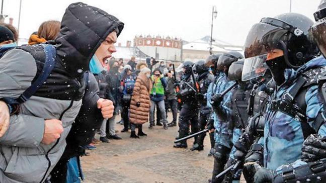 Rusya'da Navalni eylemleri büyüdü! Bir günde 4 bin kişiye gözaltı