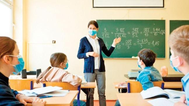 Toplum Bilimleri Kurulu Üyesi Prof. Dr. Mustafa Necmi İlhan: Okullar 2. dozdan sonra açılmalı