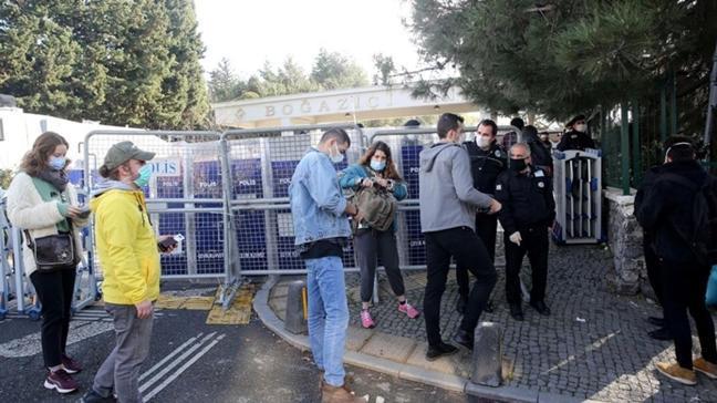 Boğaziçi Üniversitesindeki gösterilerde gözaltına alınan 108 şüpheli serbest bırakıldı