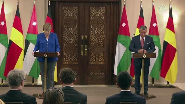 Merkel'den Orta Doğu'yla ilgili kritik temas