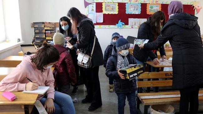 Toplum Bilim Kurulu Üyesi Prof. Dr. Mustafa Necmi İlhan: Çocukları maskeye oyunlarla alıştırın