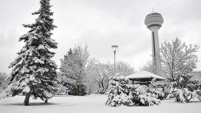 Meteorolojiden Ankara'ya uyarı... Kuvvetli kar ve buzlanma bekleniyor