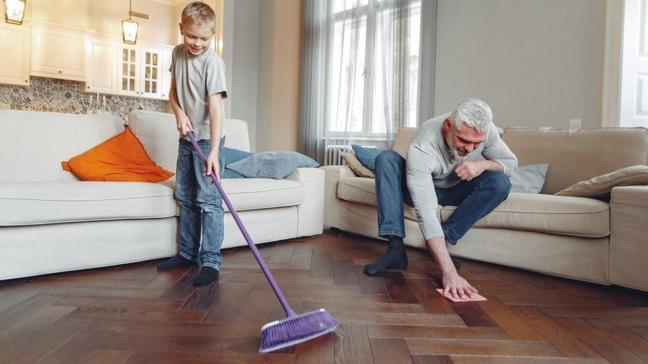 Evdeki aşırı titizlik çocuklarda obsesif davranışlara neden olabilir