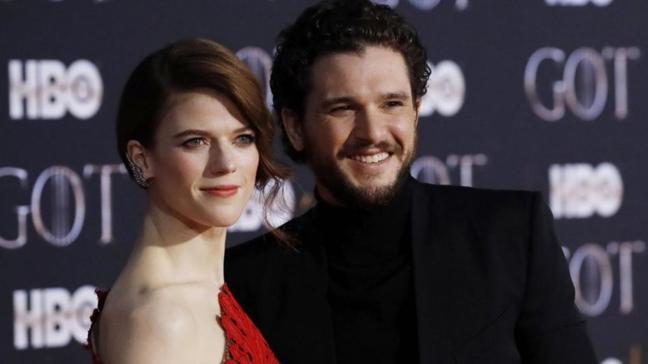 Game of Thrones'un yıldızları Kit Harington ve Rose Leslie çiftinin bebekleri dünyaya geldi... Cinsiyetini sır gibi saklamışlardı!