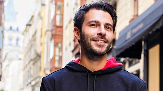 Hakan Sabancı oyuncu Aygün Aydın'la aşk yaşıyor