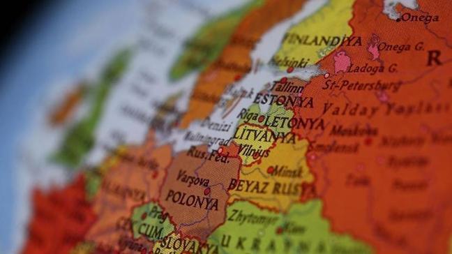 Rusya, Estonyalı diplomatı istenmeyen kişi ilan ederek sınır dışı etti