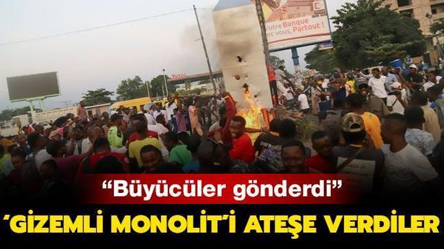 Kongo Demokratik Cumhuriyeti'nde 'gizemli monolit'i ateşe verdiler: Büyücüler gönderdi