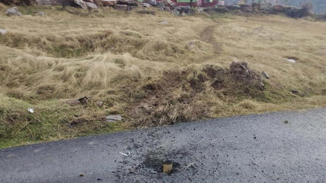 Teröristlerin attığı roketler Hakkari'de bir köye düştü