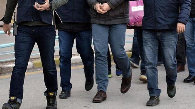 İstanbul'da FETÖ operasyonu! 30 kişiden 13'ü tutuklandı