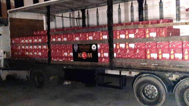 Mardin'de piyasa değeri 5 milyon lira olan kaçak içkiler ele geçirildi.
