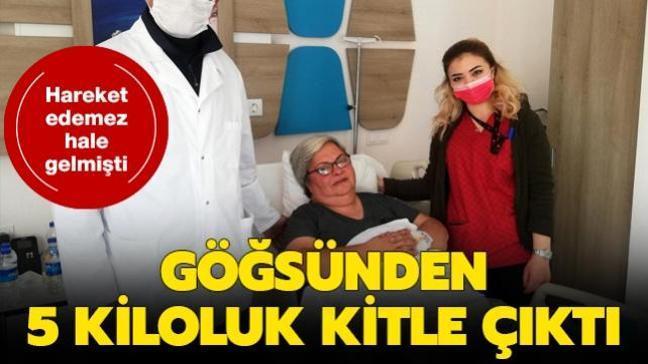 Antalya'da bir kadının göğsünden yaklaşık 5 kiloluk kitle çıkarıldı