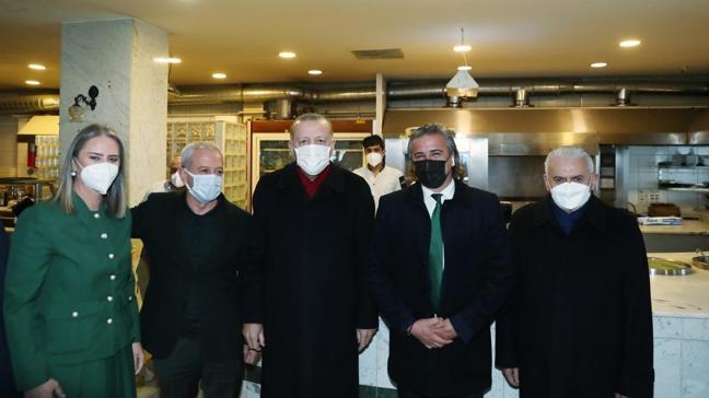 Başkan Erdoğan, İzmir esnafını ziyaret etti