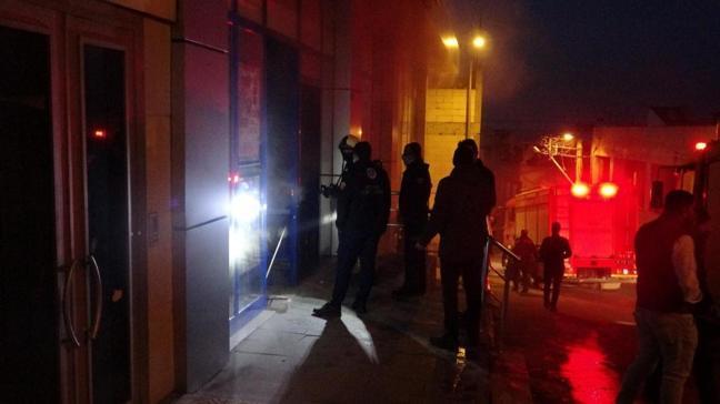 Bursa'da bir market deposunda yangın