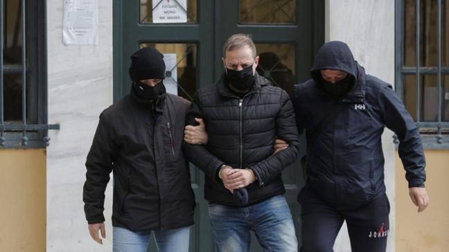 Ünlü oyuncu Dimitris Lignadis çocuğa cinsel istismardan gözaltına alındı