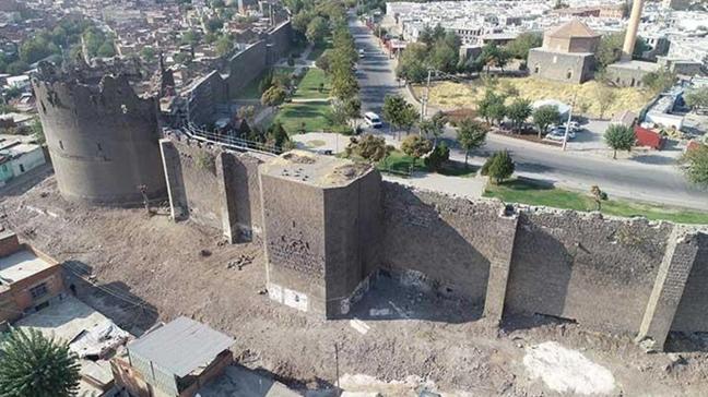 Diyarbakır Valisi Karaoğlu: Diyarbakır, küllerinden doğan, yeniden dirilen ve uyanan bir şehre dönüşüyor