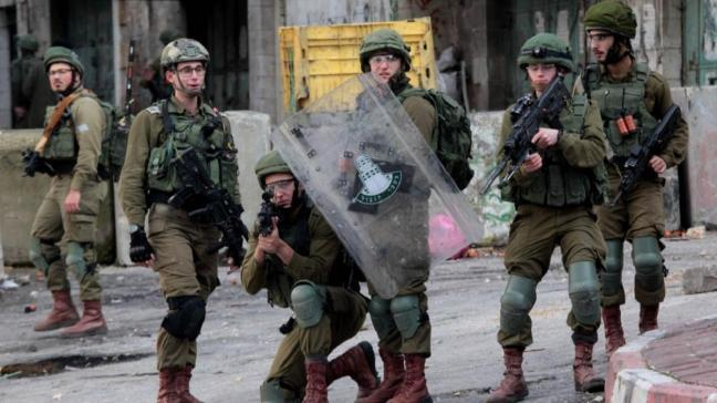 Son dakika haberleri... İşgalci İsrail güçleri 12 Filistinliyi gözaltına aldı