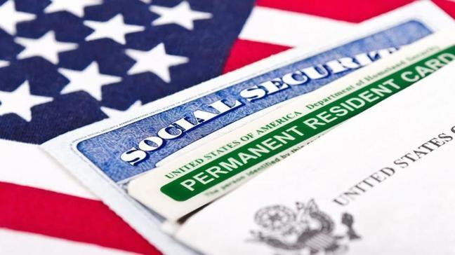 ABD Başkanı Biden Trump'ın yeşil kart için  getirdiği kısıtlamaları kaldırdı