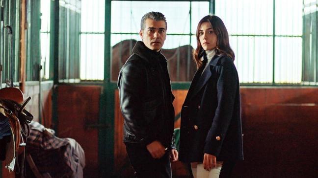 Cansu Dere, Caner Cindoruk ve Melis Sezen'in başrollerini paylaştığı Sadakatsiz dizisine yeni isim!