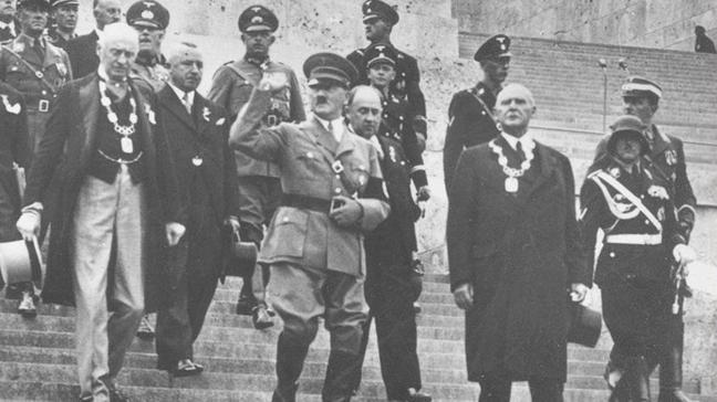 ABD'li yazar, ülkesinin Nazilere ev sahipliğini yaptığını ve onları adaletten sakladığını söyledi