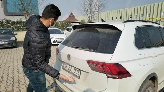 Sıfır aldığı otomobil hasarlı çıkan vatandaşa satıcının 'ücretsiz onarım' teklifi tepki çekti