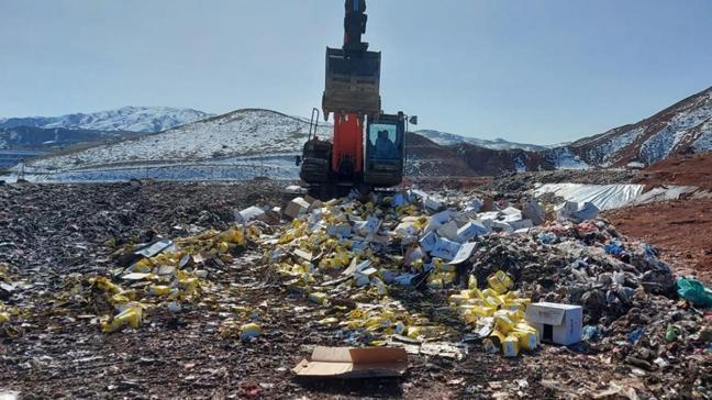 Sivas'ta 9 yıl öne yakalanan 5 ton kaçak çay toprağa gömülerek imha edildi