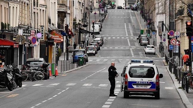 Koronavirüs vaka sayıları hızla artan Fransa'da sokağa çıkma kısıtlaması uygulanacak