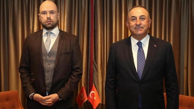 Dışişleri Bakanı Çavuşoğlu Karadağ'lı mevkidaşıyla görüştü