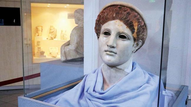 50 yıldır sergilenen heykel Artemis çıktı