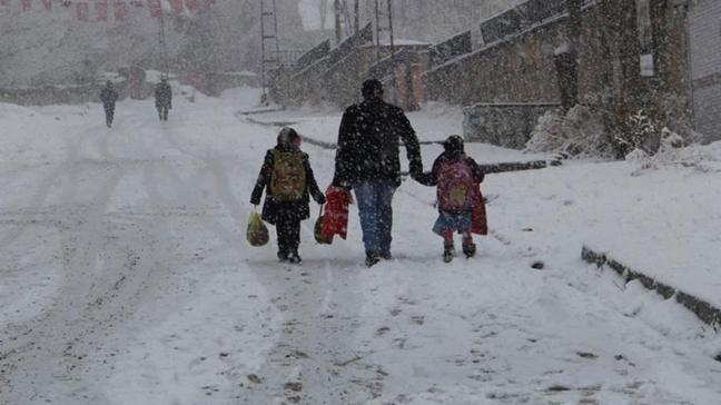 Ordu'nun 4 ilçesinde eğitime kar engeli: 1 gün ara verildi