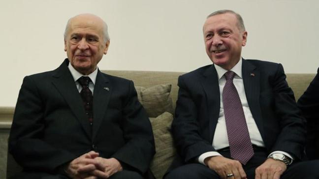 Son dakika haberi: Bahçeli'den Başkan Erdoğan'a tebrik telefonu