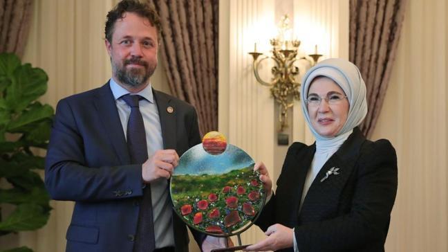"""Emine Erdoğan'dan """"Sıfır Atık Projesi""""ne desteği için UNDP Türkiye'ye teşekkür"""