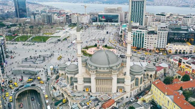 İçinden ilk kareler... Taksim Camii Ramazan'a hazır