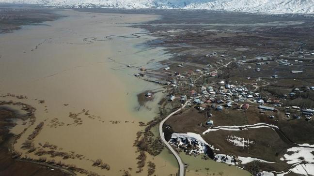 Yüksekova sular altında kaldı: Havadan görüntülendi