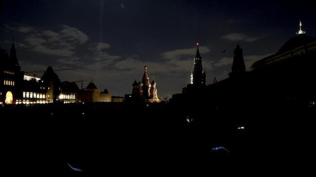 Rusya'da ışıklar iklim değişikliğine dikkati çekmek için 1 saat kapatıldı