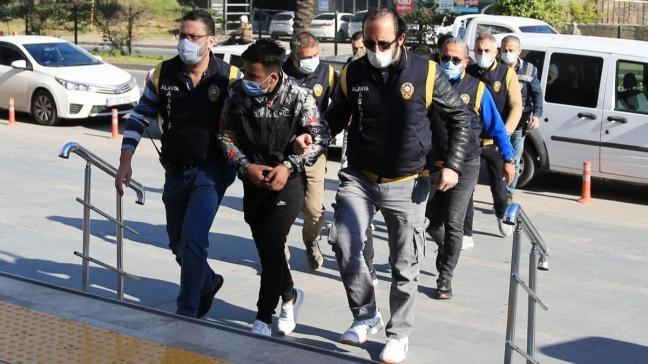 Alanya'da 5 zanlı gözaltında: Yabancı uyruklu kadınlara zorla fuhuş ihbarı