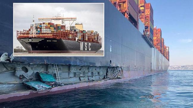 Ambarlı Limanı'na konteyner gemisi çarptı: Ağır hasar var