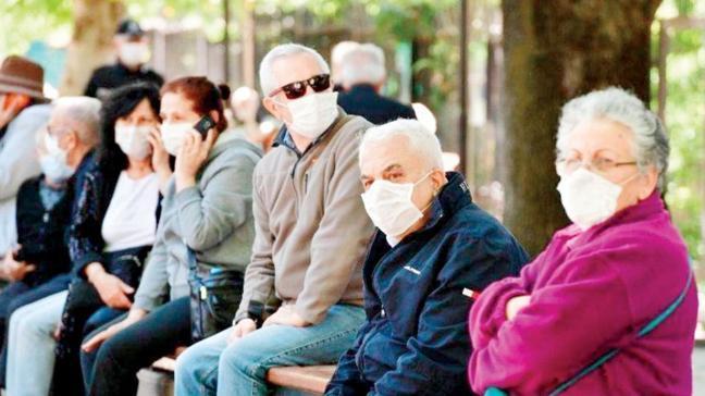 Koronavirüsün sık görüldüğü yaş grupları değişti! '40-50 yaşta daha ağır seyrediyor'