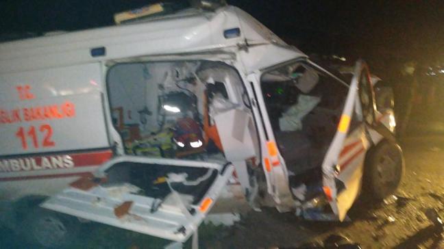 Balıkesir'de feci kaza... 4 kişi hayatını kaybetti