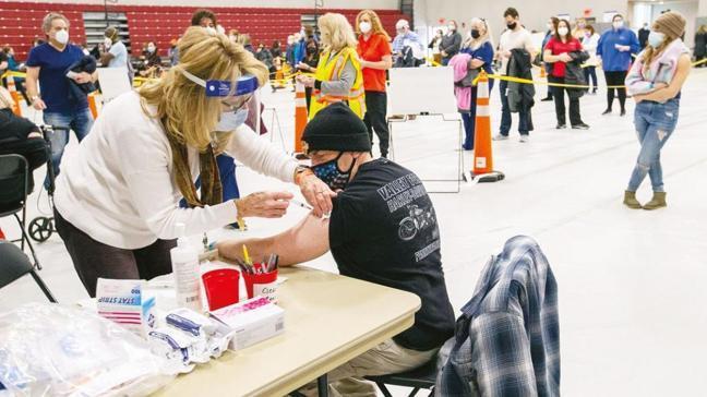 Bilim dünyası uyardı! 'Aşılar seneye etkisiz kalabilir'