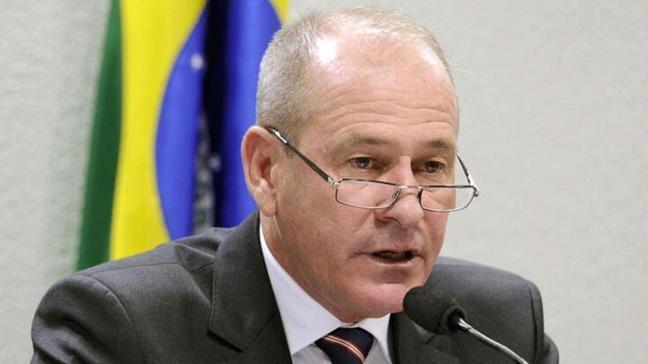 Brezilya Savunma Bakanı istifa etti