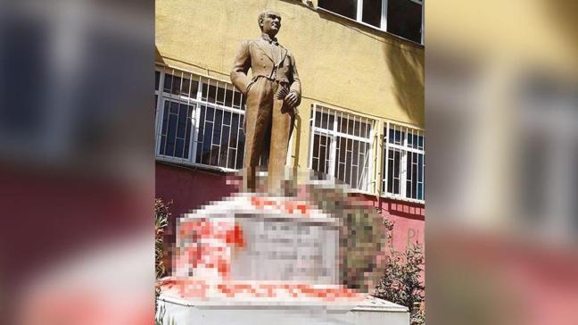 Atatürk anıtına saldırmıştı... Provokatöre jet gözaltı