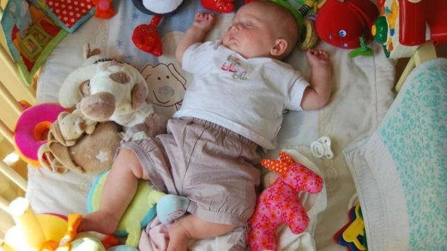 Bebeklerin yatış pozisyonuna dikkat! Ani ölüme sebep olabilir