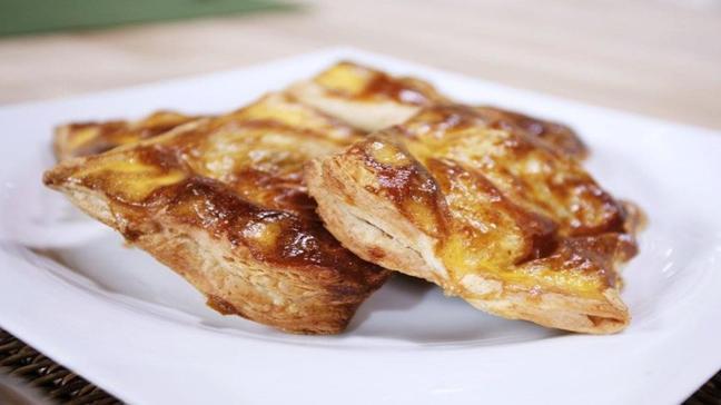 """Gelinim Mutfakta ıspanaklı tavuklu börek nasıl yapılır"""" Ispanaklı tavuklu börek tarifi!"""